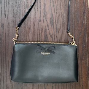 Kate Spade - crossbody with gold chain